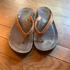 Chaco leather flip flops 7